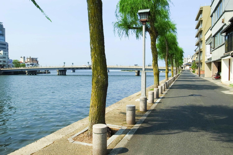 松江市内をレンタサイクルでサイクリング