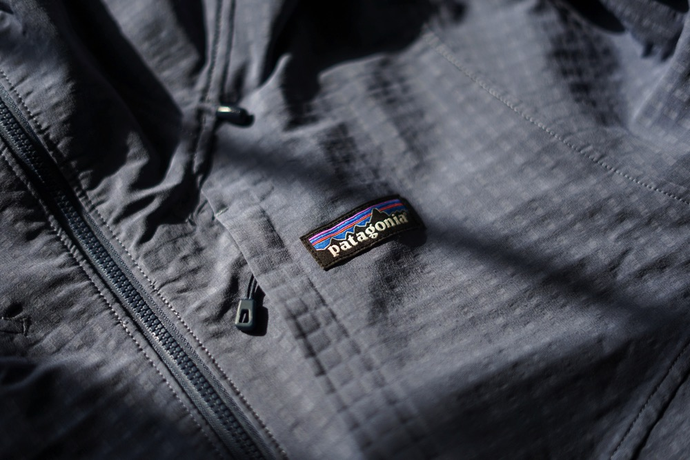 181010 patagonia r1 techface hoodie 01